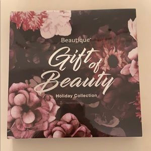 Gift of Beauty Holiday Makeup Palette